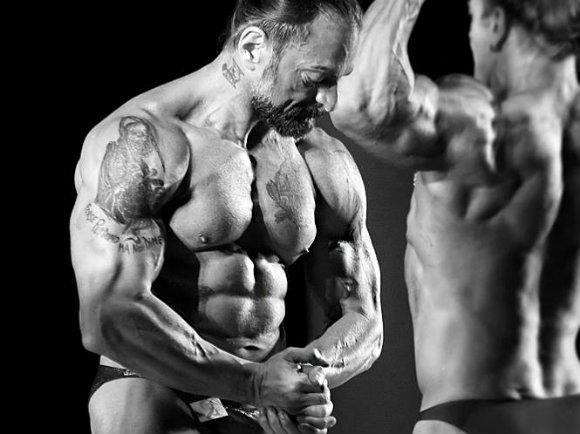 Programme d'alimentation HTT - Fabio Zonin lors d'une compétition de bodybuilding 1