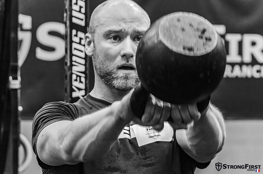 Formation officielles StrongFirst Kettlebell 101 - Simple & Sinistre